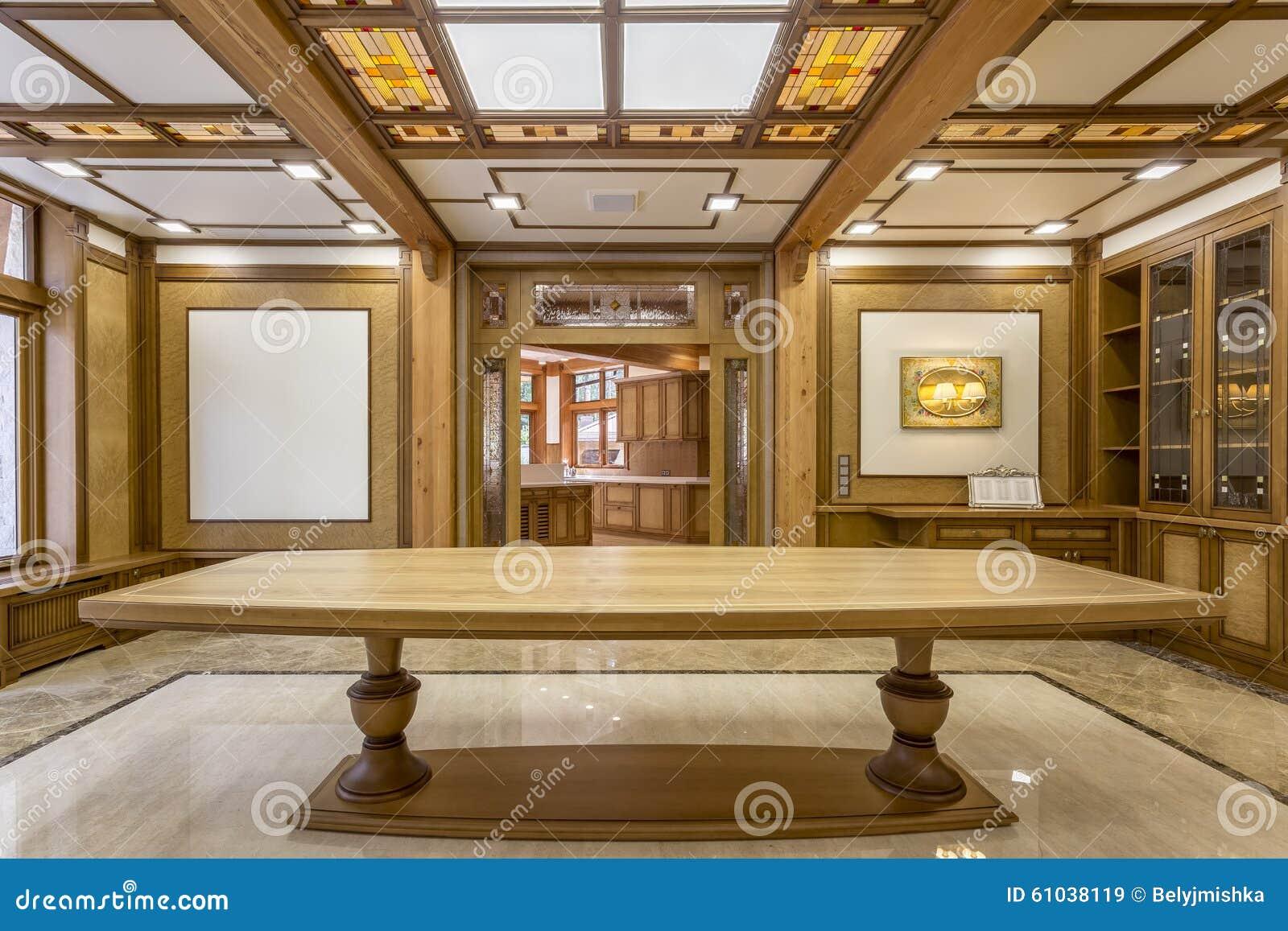 Ingang in de woonkamer die van hout wordt gemaakt stock afbeelding