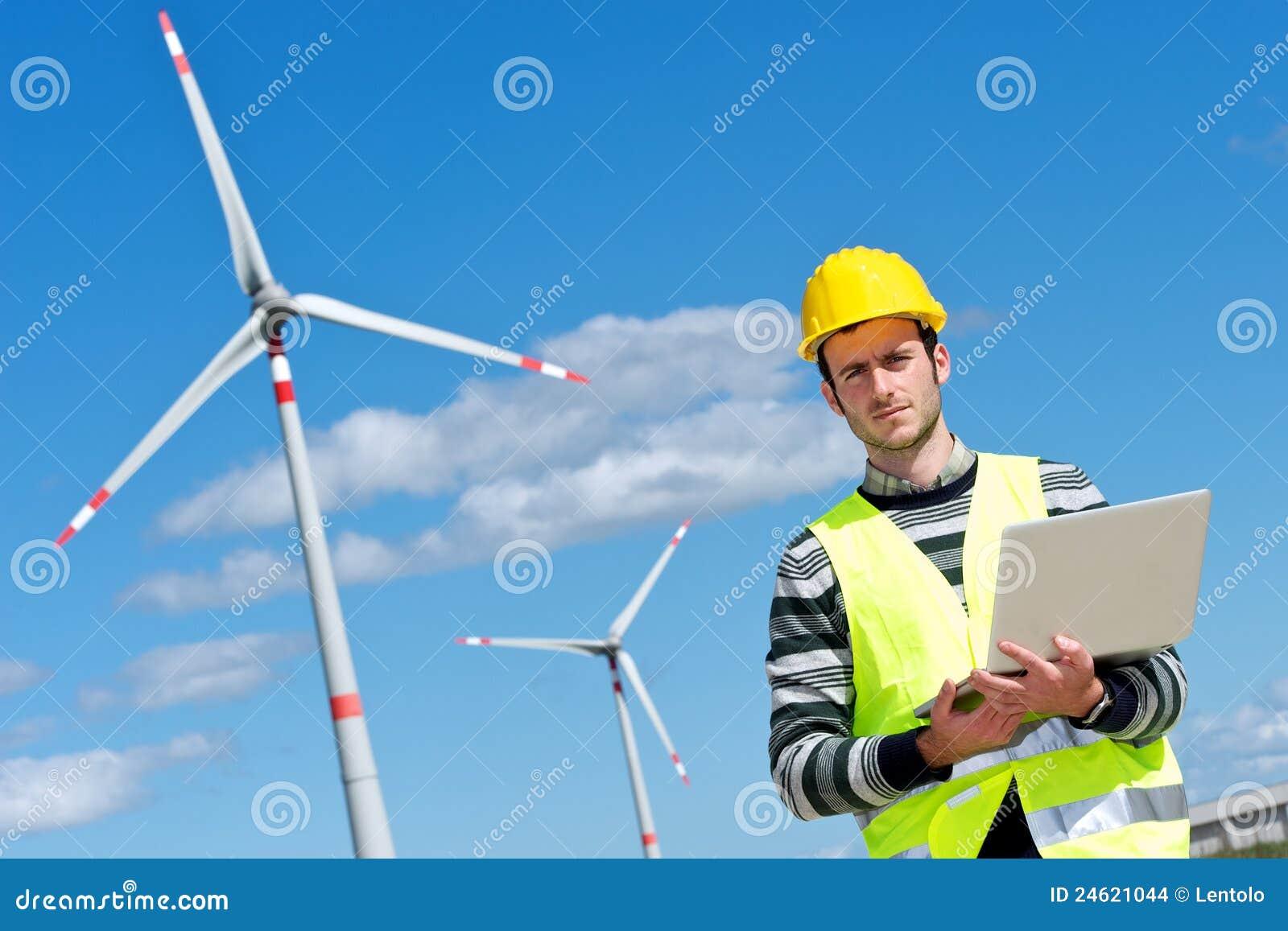 Ingenieur in der Wind-Turbine-Leistung-Generator-Station