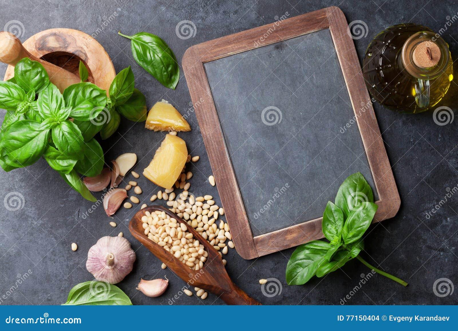 Ingrédients de sauce à Pesto
