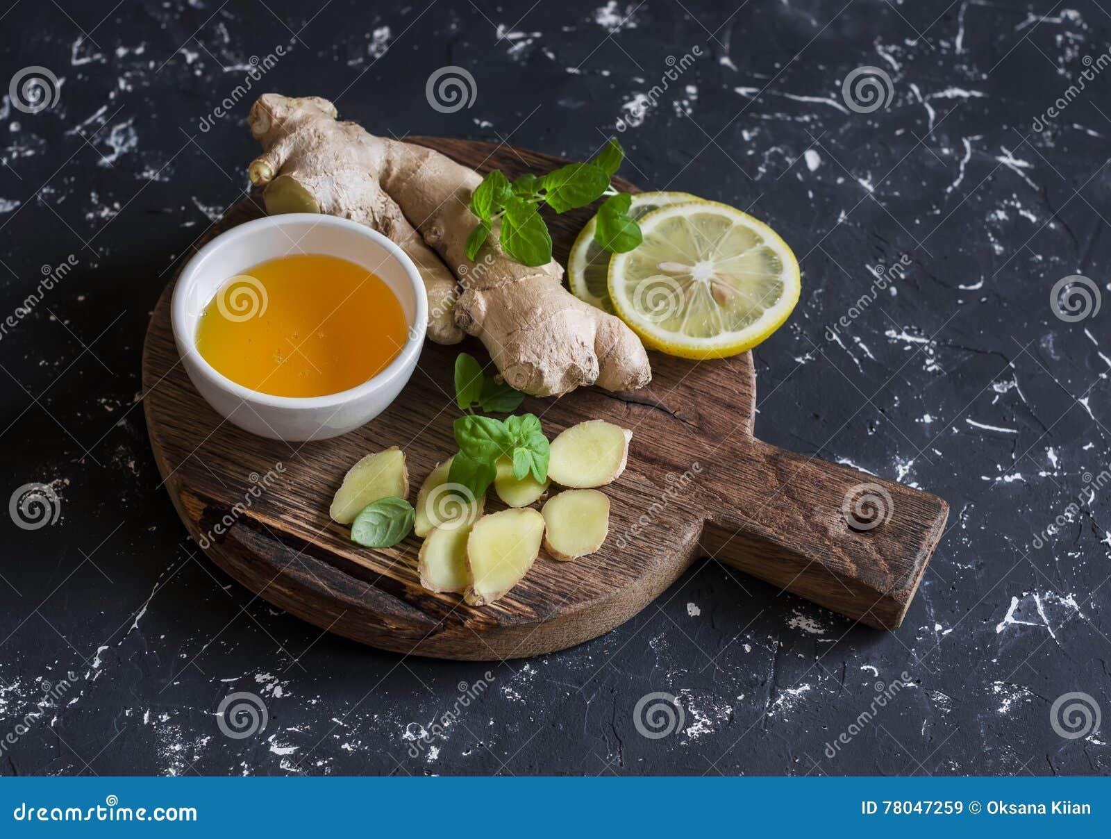 Ingredients Pour Faire Cuire La Boisson De Detox Gingembre Citron