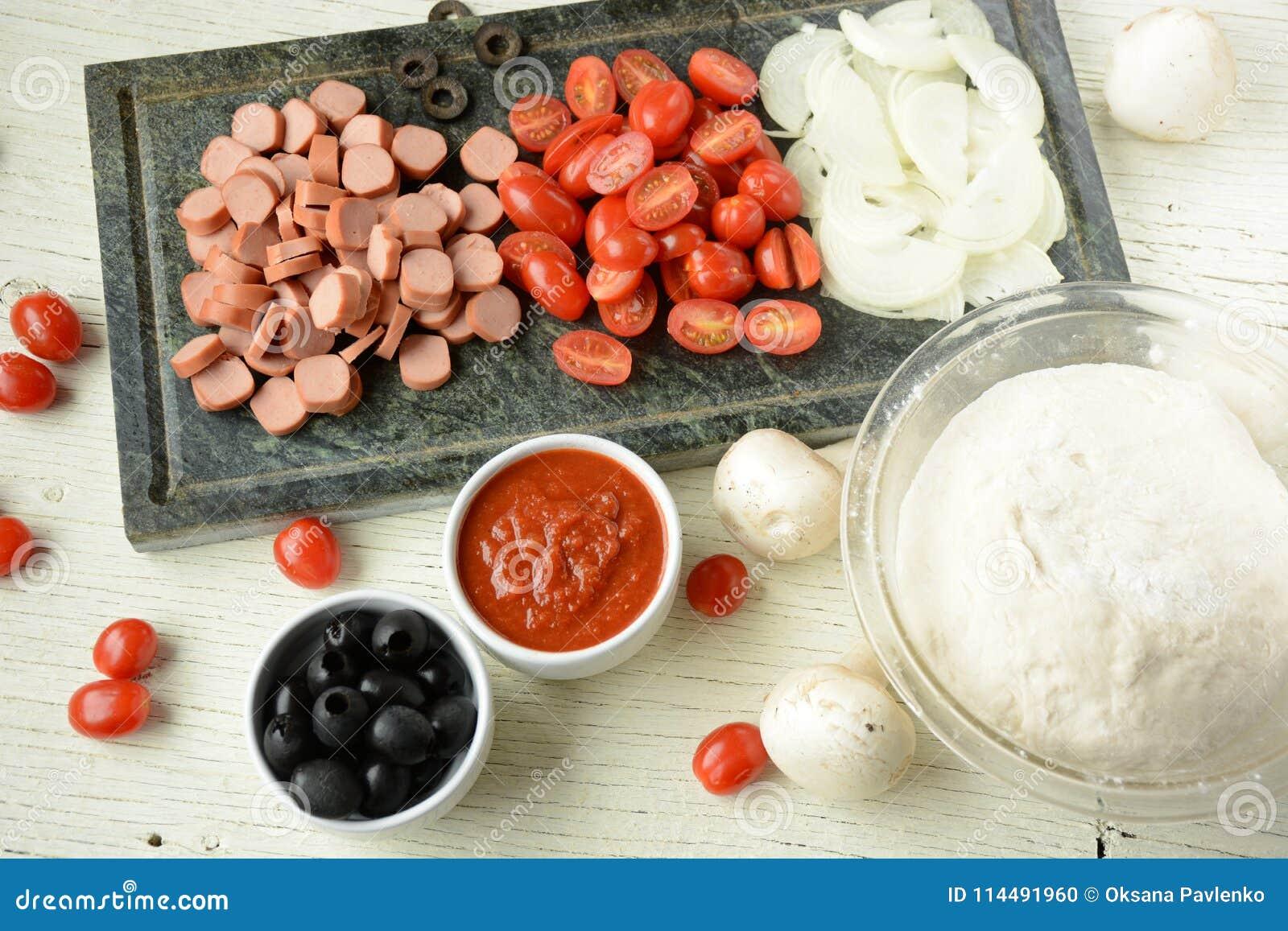 Ingrédients pour la pizza italienne