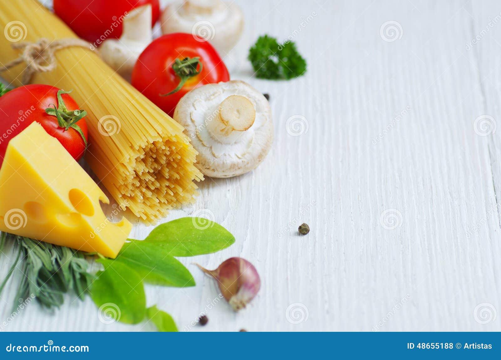 Ingr dients de cuisine italienne traditionnelle photo for Cuisine blanche traditionnelle