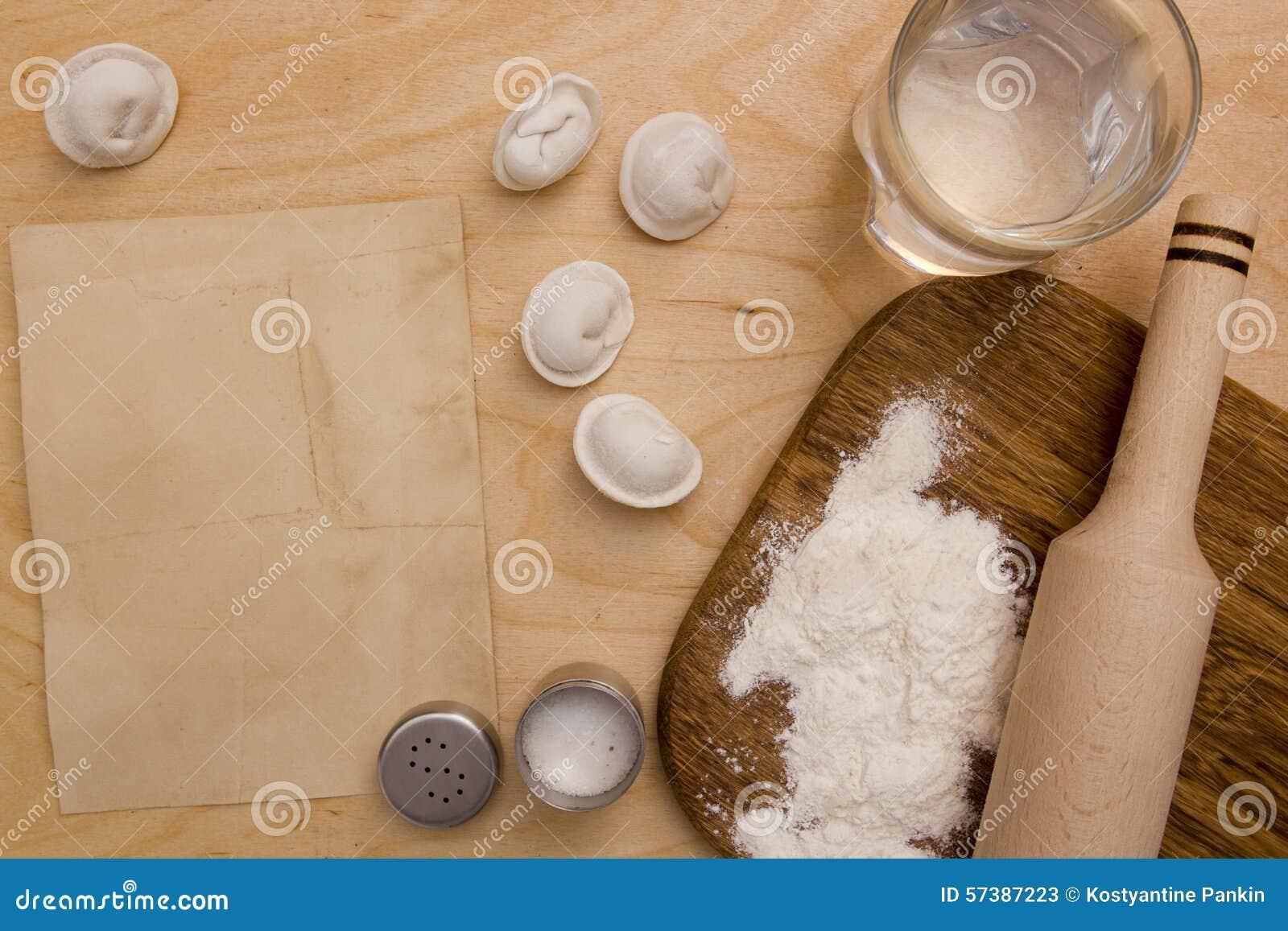 Ingrediënten ongedesemd deeg