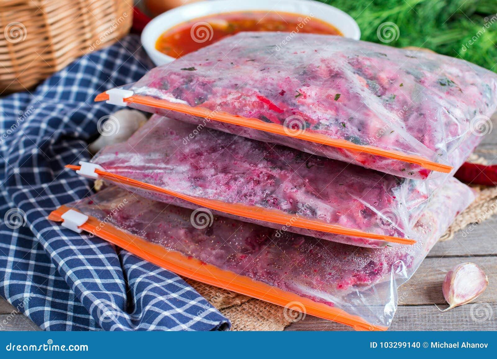 Ingrediënten voor borsjt freezing Soep het koken