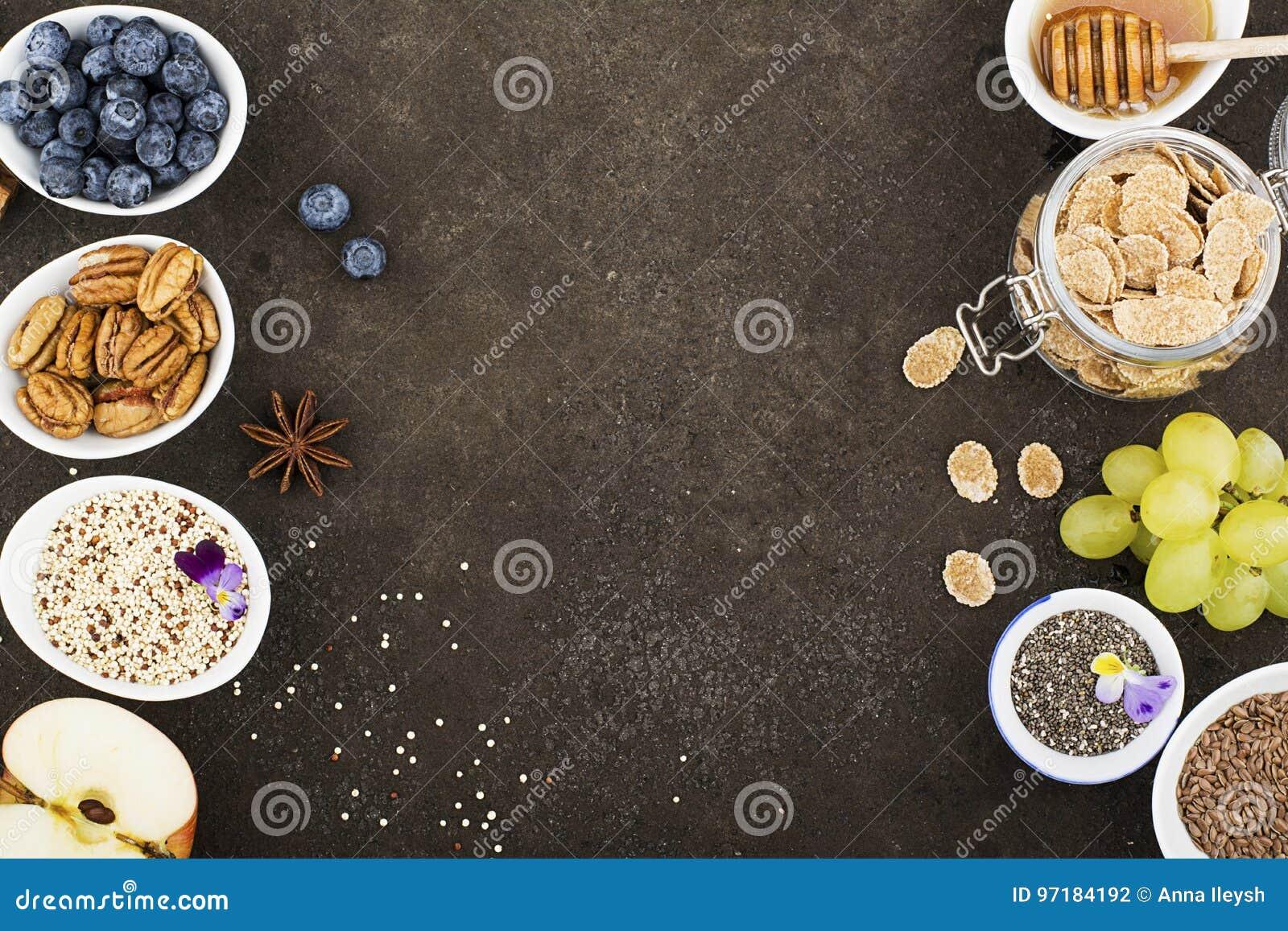 Ingredienser för en sund säsongsbetonad höstfrukost