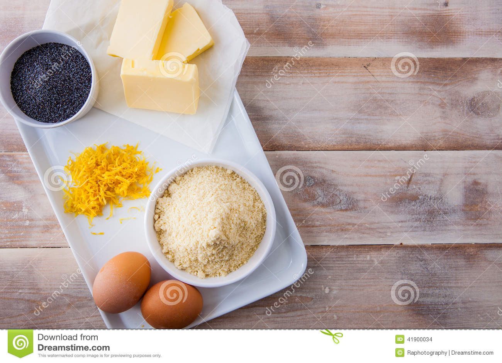 Ingredientes de la hornada para una torta del limón
