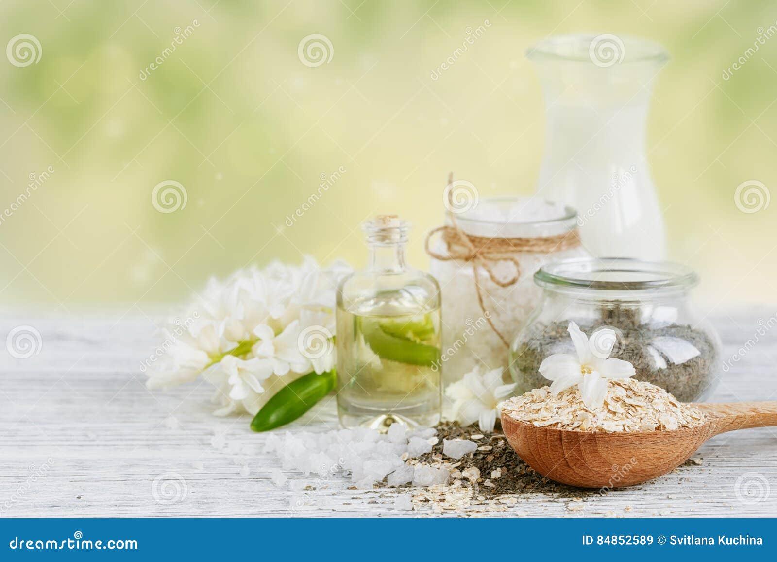 Ingredientes naturales para la máscara hecha en casa del facial y del cuerpo
