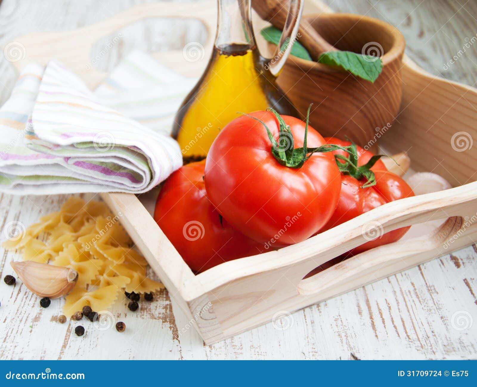 Ingredientes para una comida italiana imagenes de archivo for Ingredientes para comida