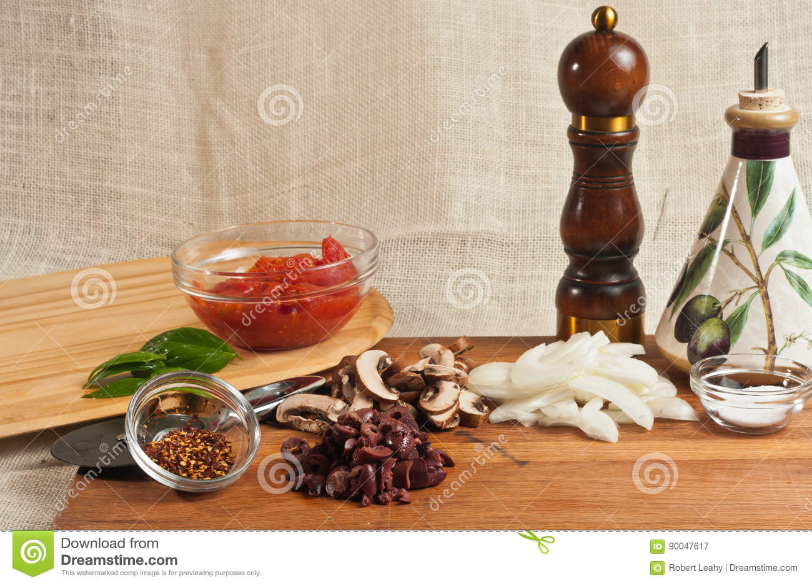 Ingredientes y utensilios orgánicos 2 de la pizza hecha en casa del artesano