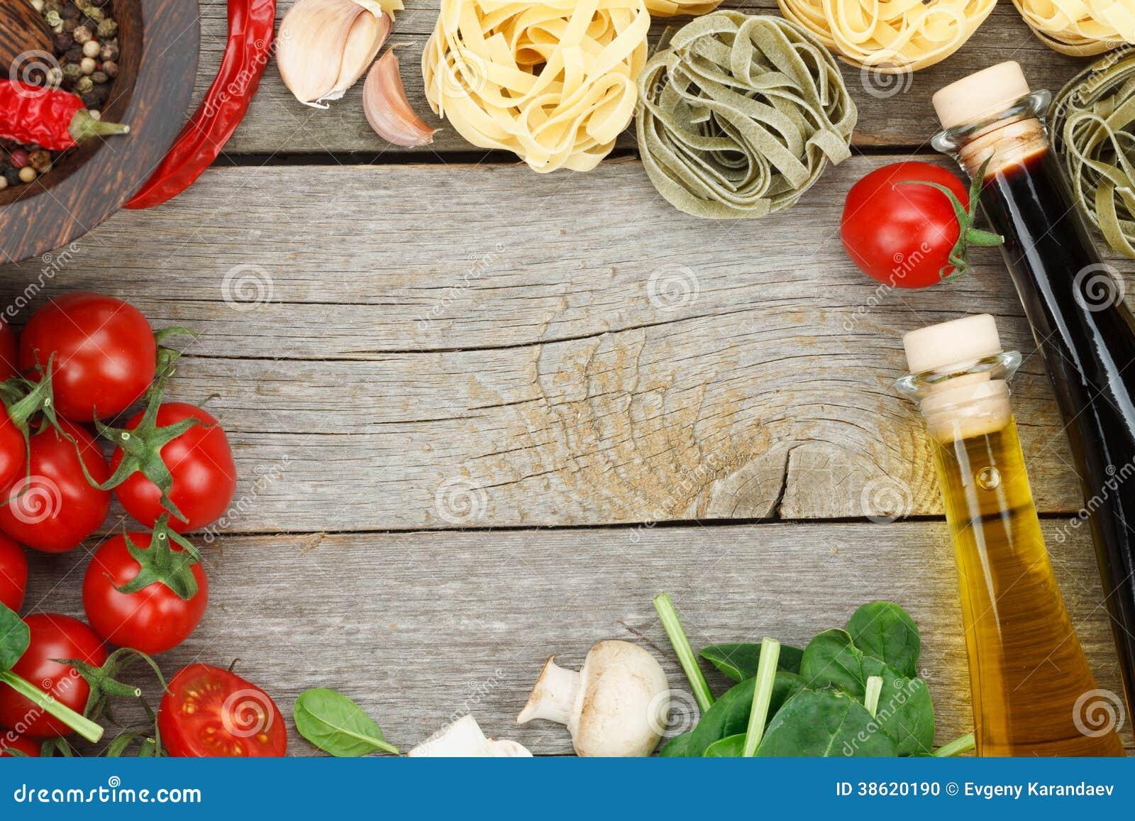 Ingredienti freschi per cucinare fotografia stock for Per cucinare 94