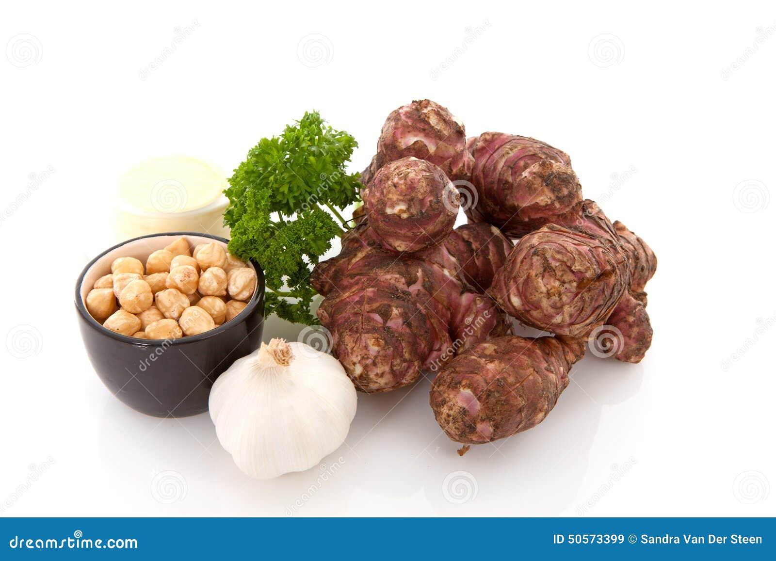 Ingredienti per la minestra del topinambur