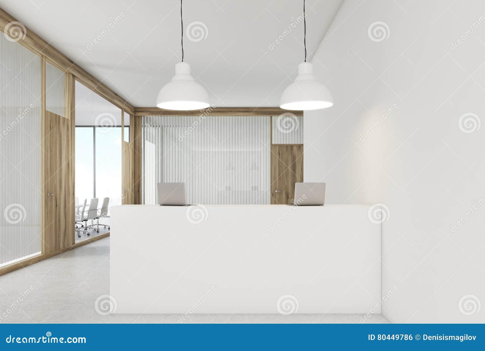 Porta Ingresso Ufficio : Ingresso dellufficio con una reception e le porte di legno