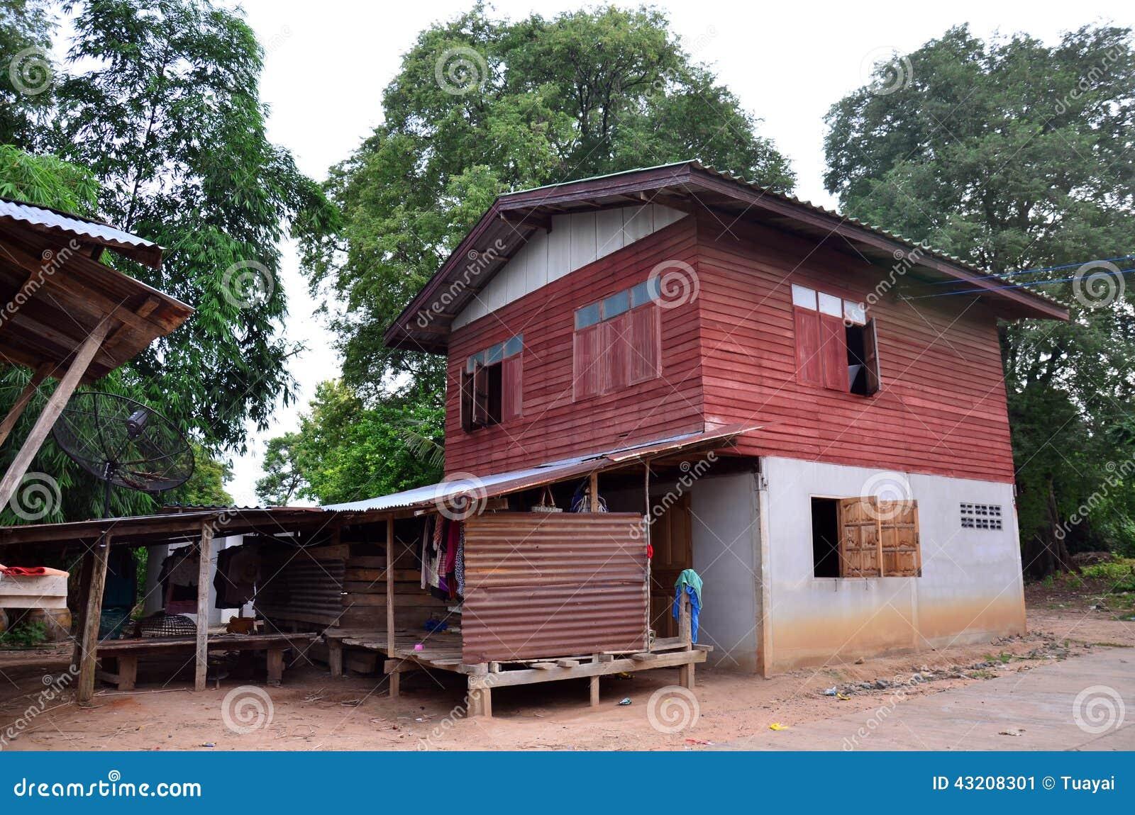 Download Inhysa Wood Thailändsk Stil På Pon Den Ngoy Byn I Surin Thailand Fotografering för Bildbyråer - Bild av natur, bygd: 43208301