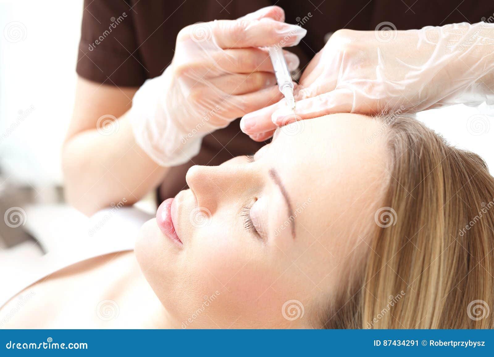 Injektioner av ansikts- hud