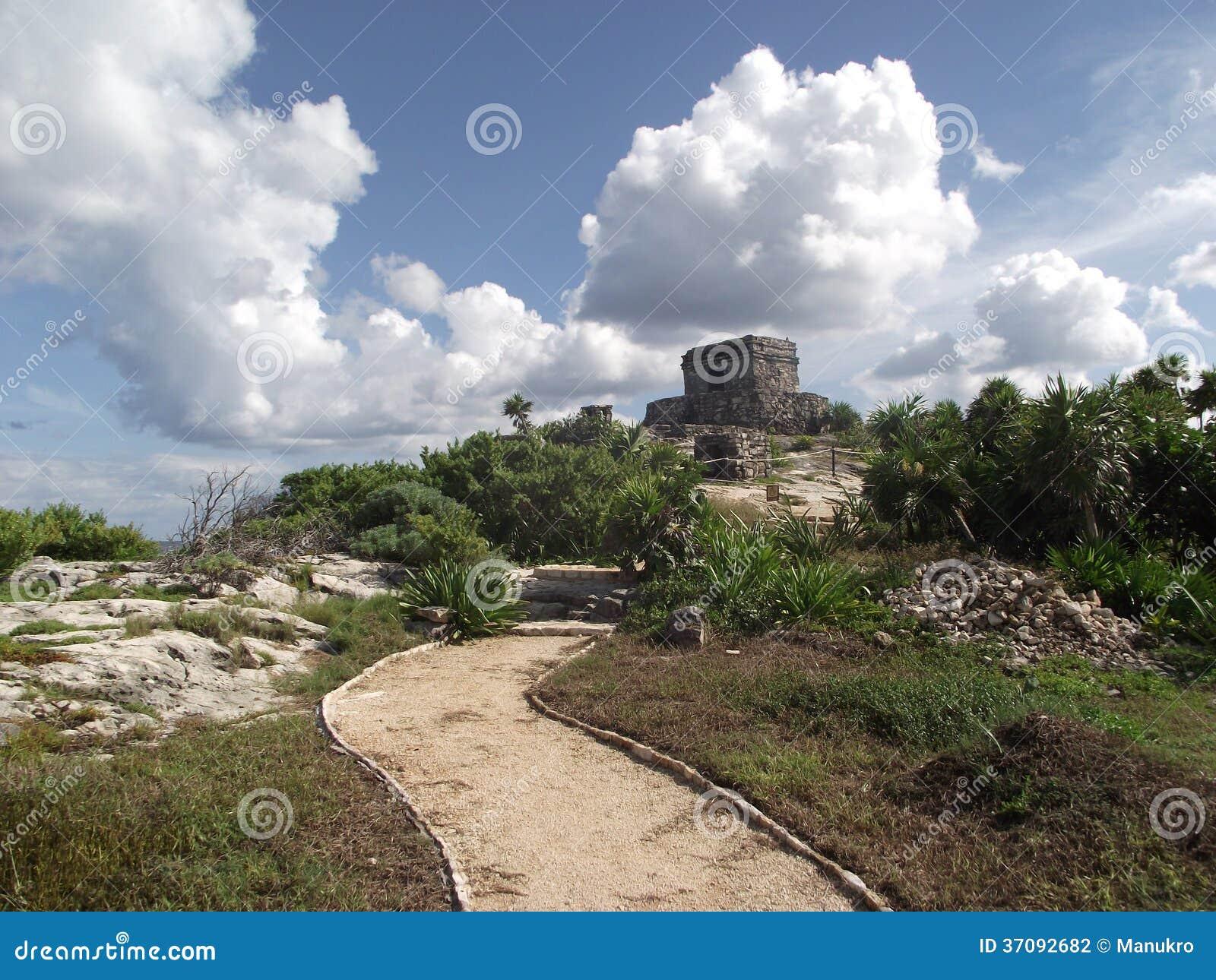 Download Inka świątynia W Ruinie Przed Morzem Karaibskim W Tulum Zdjęcie Stock - Obraz złożonej z caribbean, dziki: 37092682