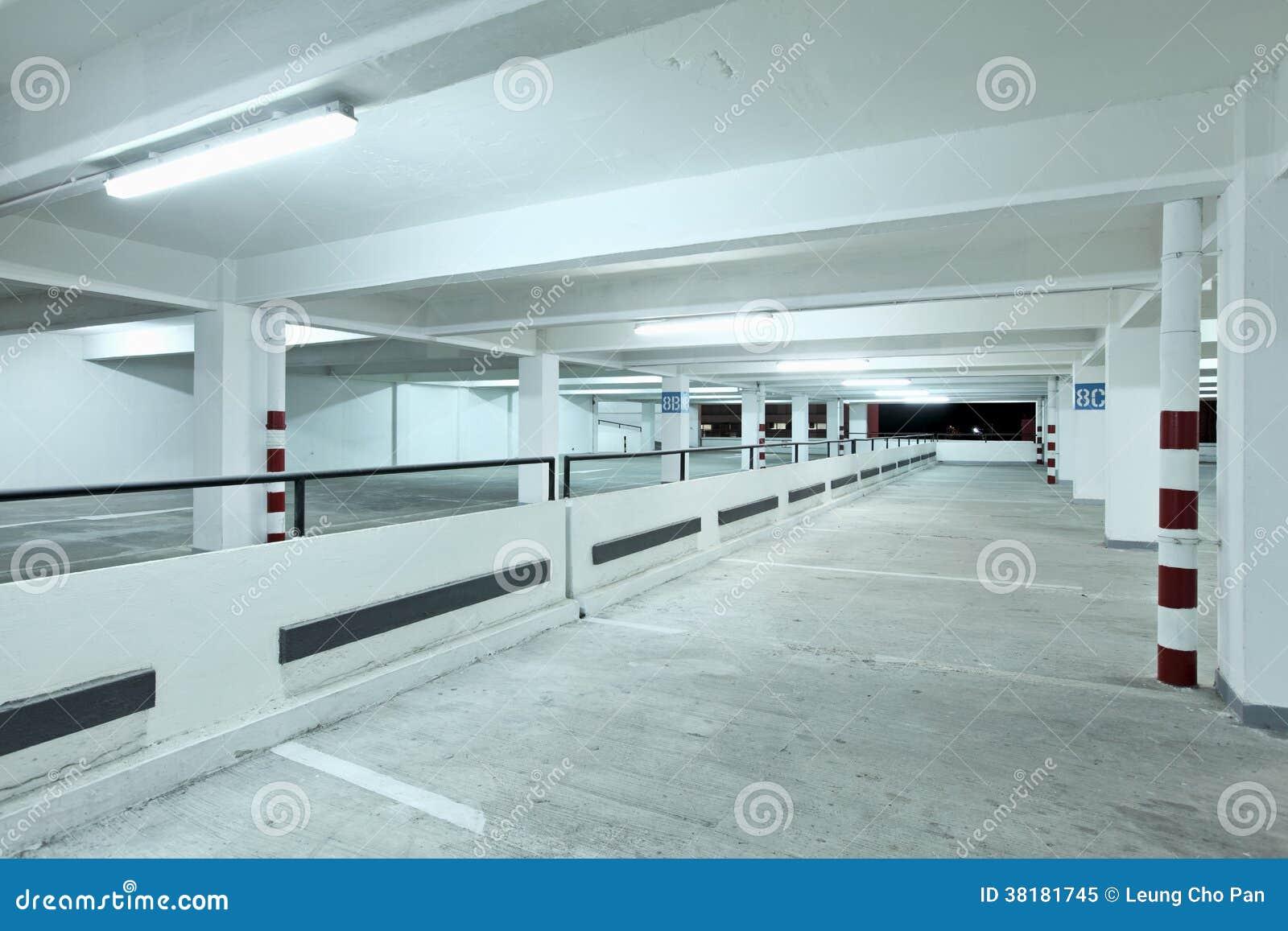 Innen-carpark stockbild. Bild von einzeln, konkret, niemand - 38181745