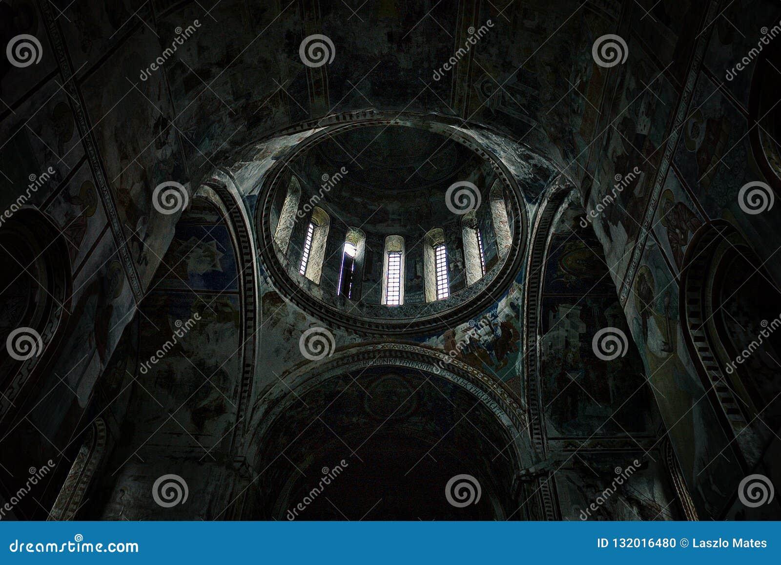 Innen- und komplexe Innenmalereien von einer der ältesten Kirche in der ganzen Welt