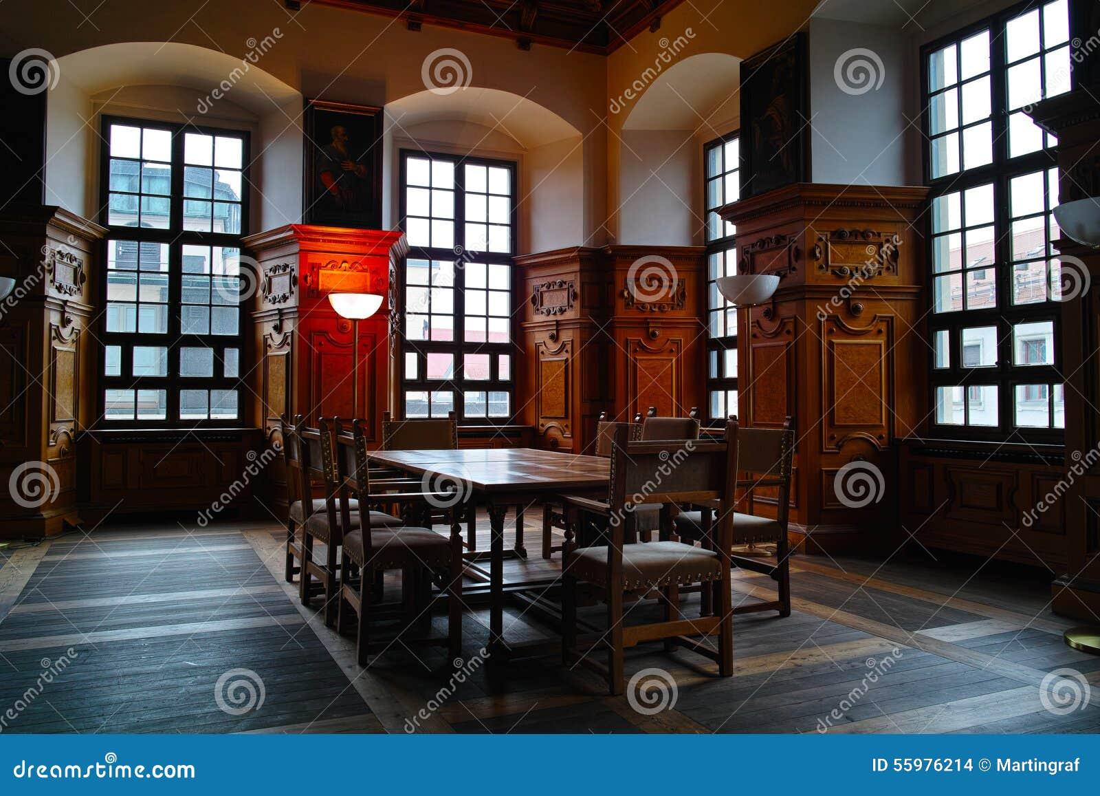 Innenarchitektur des historischen sitzungssaals stockfoto for Innenarchitektur augsburg