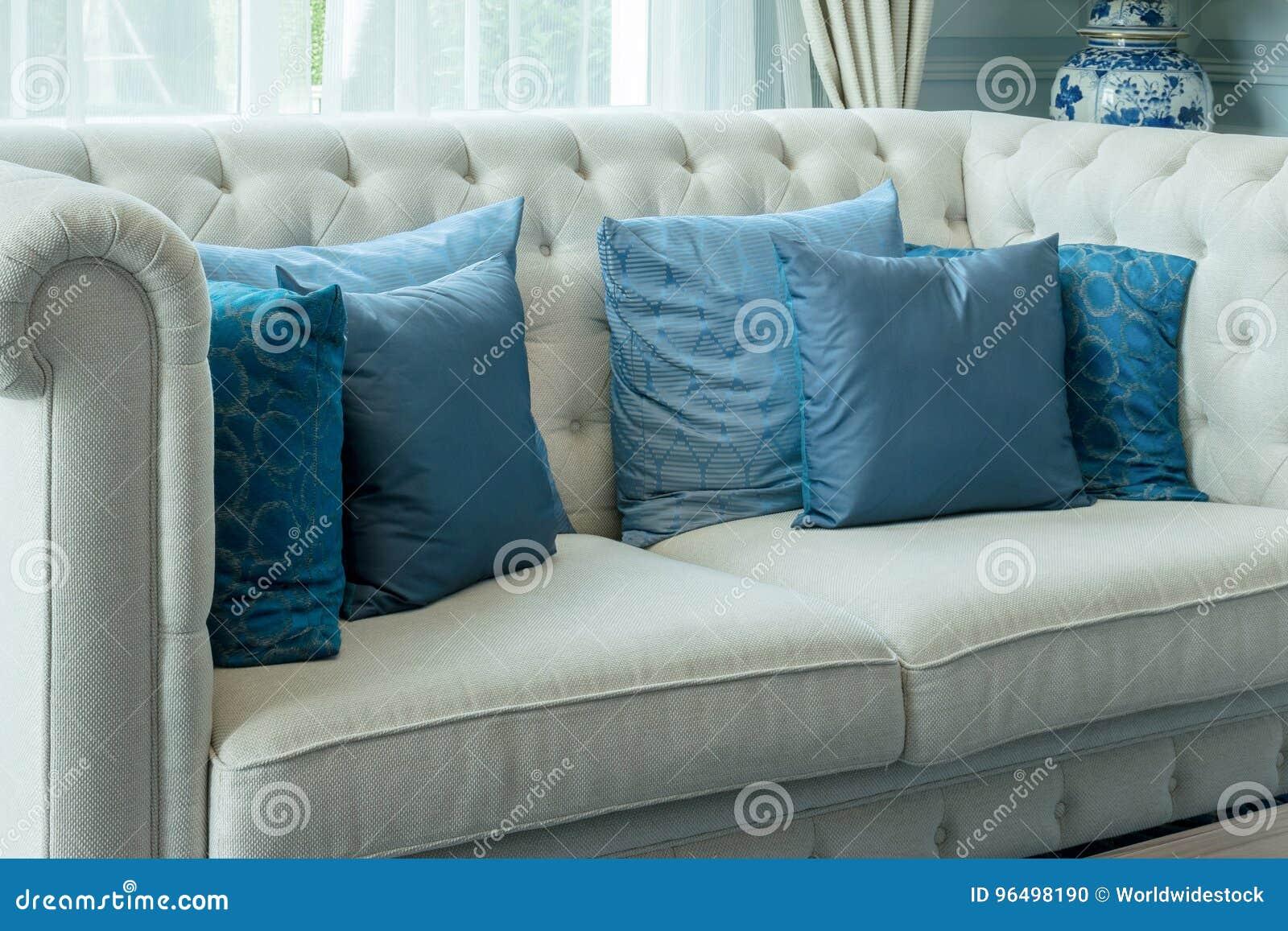 Innenarchitektur Des Luxuswohnzimmers Mit Blauem Muster ...
