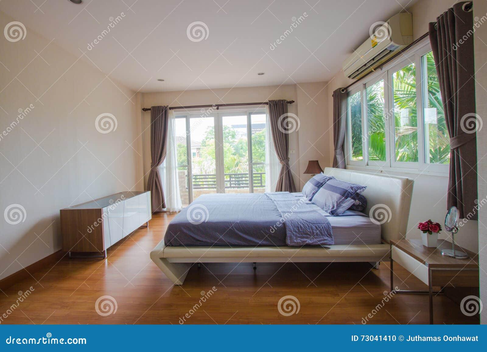 Innenarchitektur - Großes Modernes Schlafzimmer Stockfoto - Bild von ...