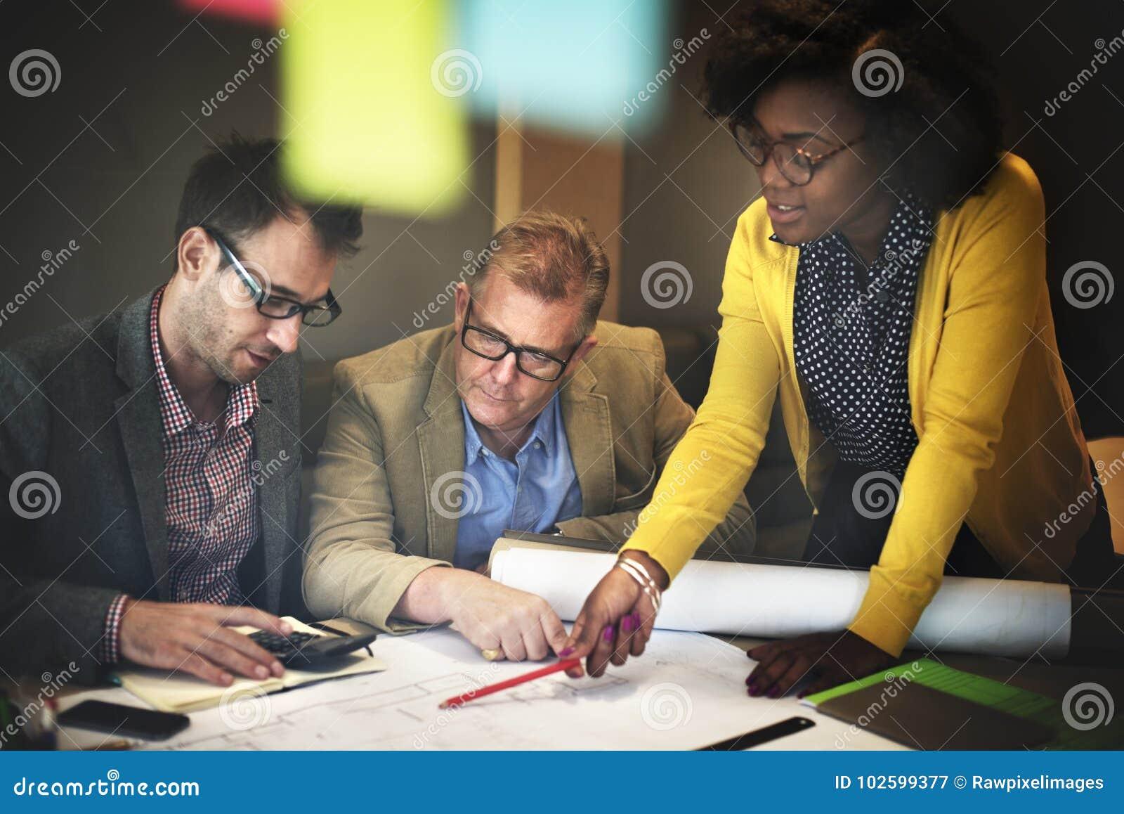 Innenbau Team Meeting Brainstorming Concept