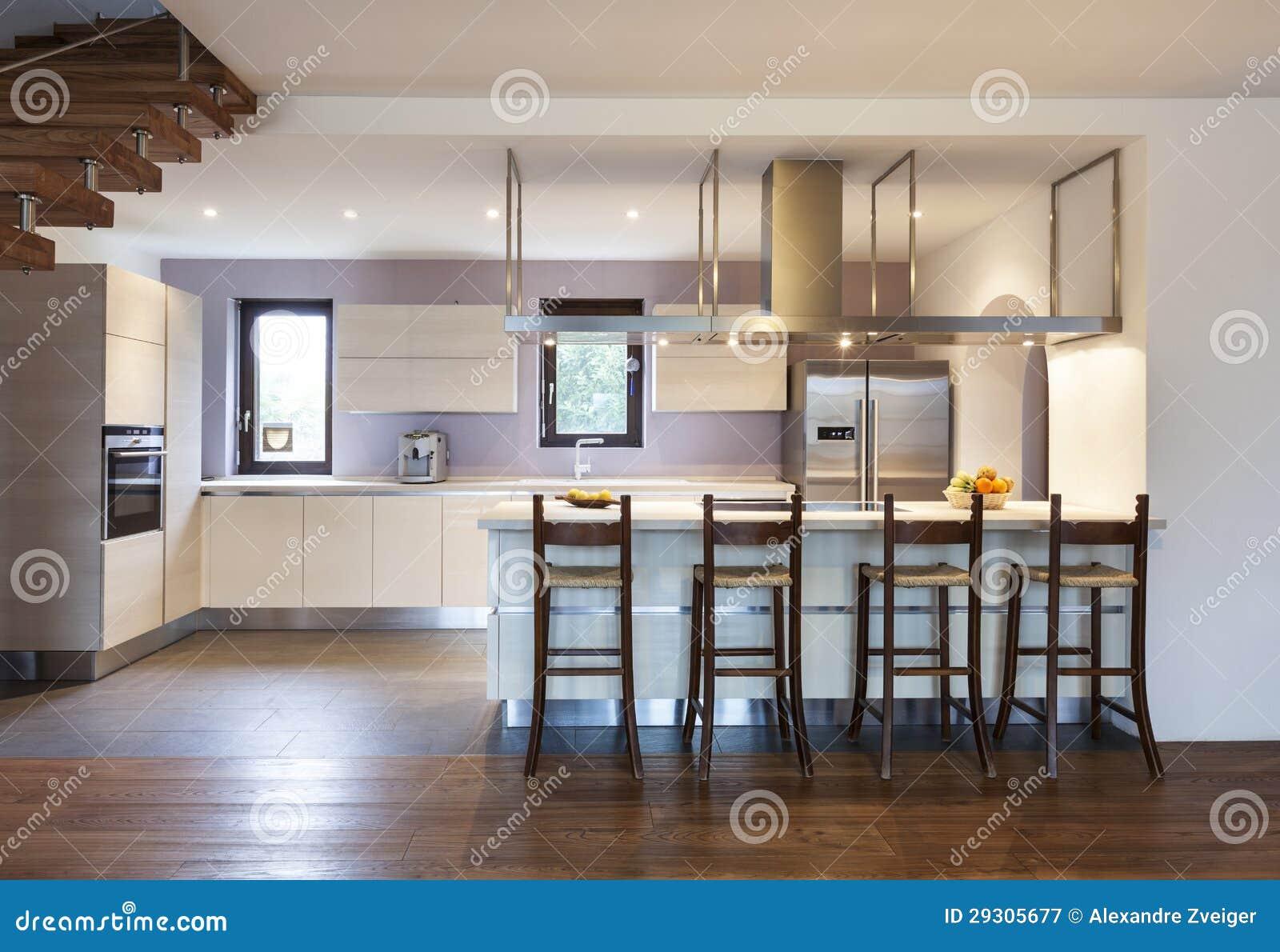 Innenhaus, Küche stockbild. Bild von leuchte, niemand - 29305677