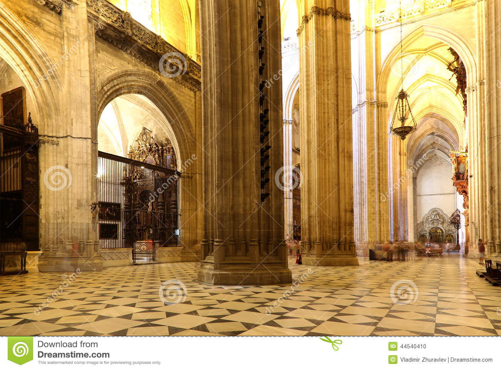 Innenkathedrale von Sevilla -- Kathedrale der Heiliger Maria des Sehung, Andalusien, Spanien