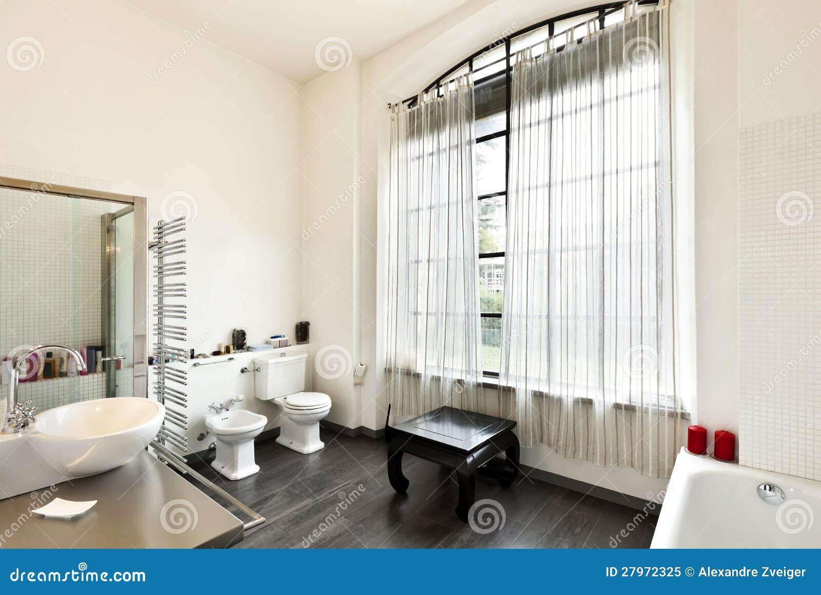 Innenraum ansicht des badezimmers lizenzfreies stockfoto for Innenraum designer programm