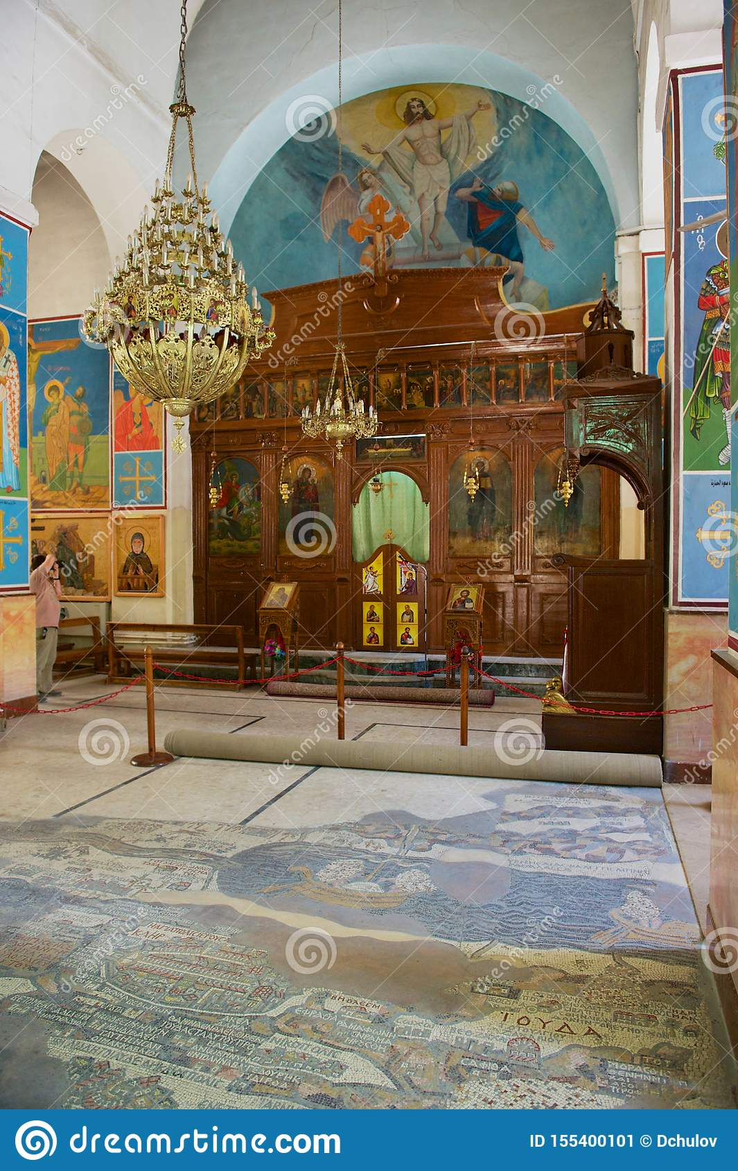 Innenraum der griechisch-orthodoxen Kirche von St George in Madaba, Jordanien