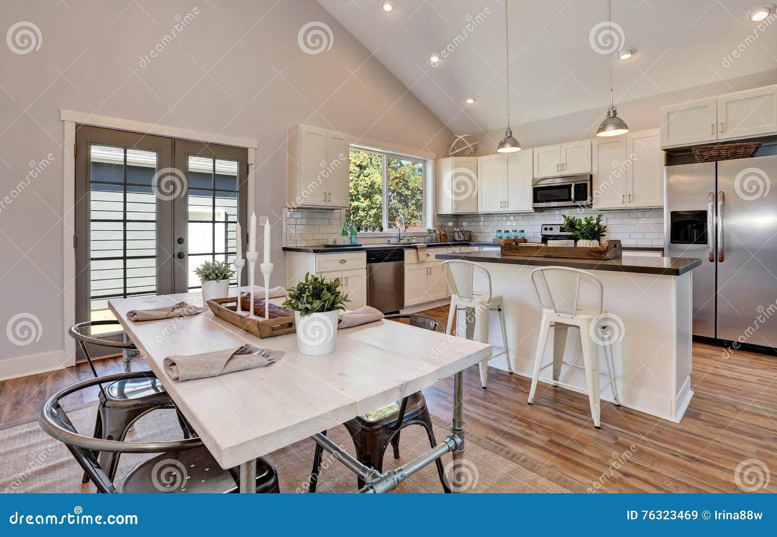 Ungewöhnlich Küchenbeleuchtung Auf Gewölbten Decken Bilder - Ideen ...
