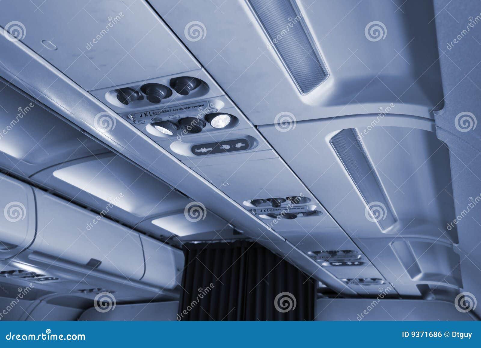Innenraum des flugzeuges stockfoto bild von fluglinie for Innenraum design programm kostenlos