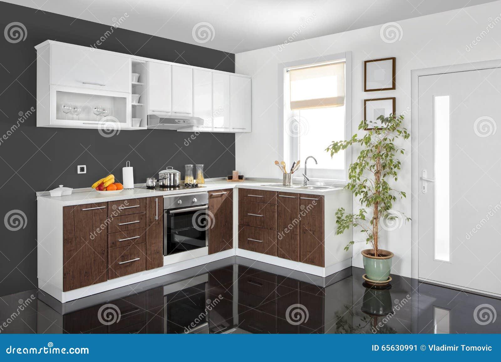Innenraum Einer Modernen Küche, Hölzerne Möbel, Einfach Und Sauber ...