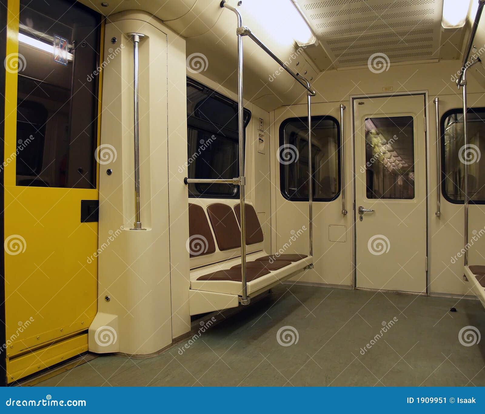 Innenraum einer Untergrundbahn