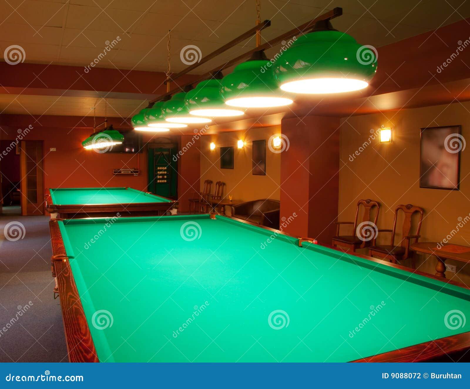 Innenraum eines Klumpens, der Billiardtabellen hat