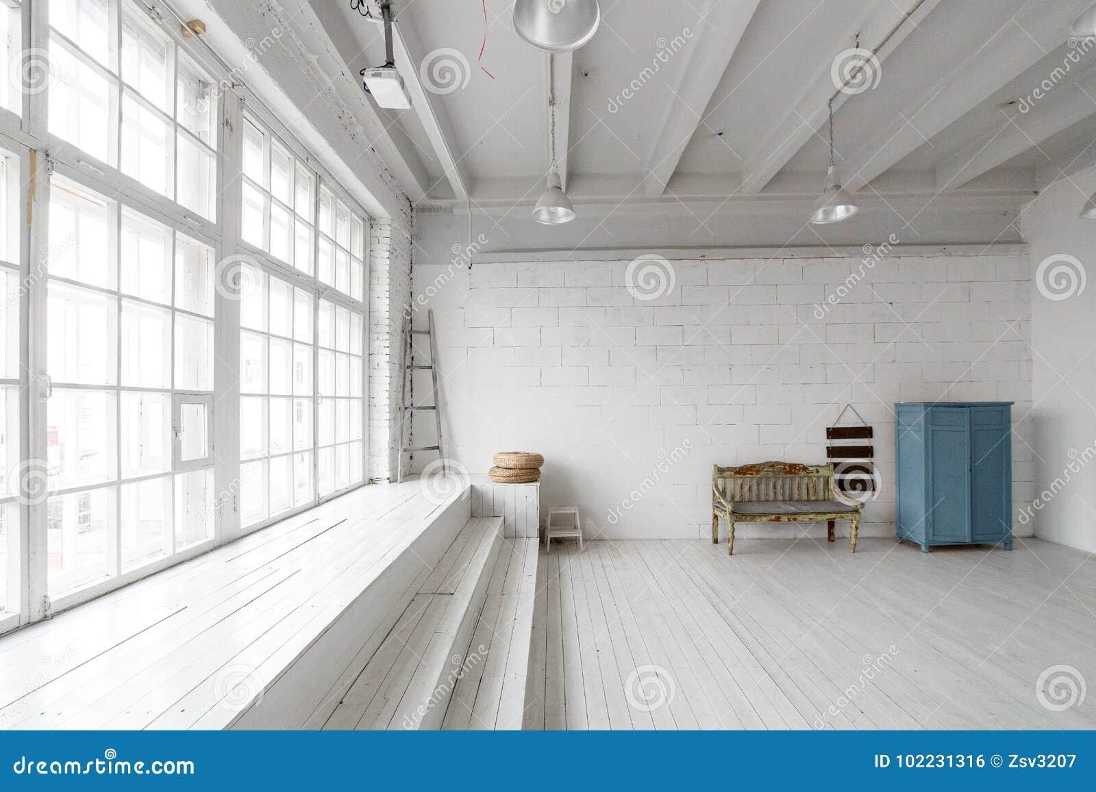 Innenraum Mit Weinlesemöbeln Helles Studio Mit Alter Bank