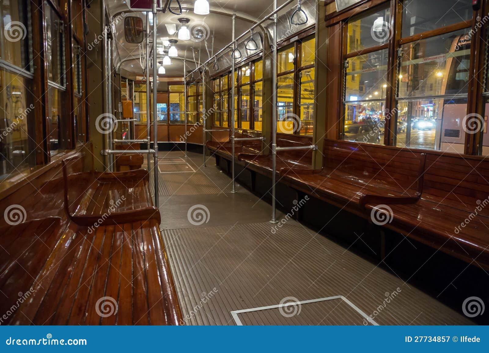 Innerer klassischer Förderwagen in Mailand, Italien