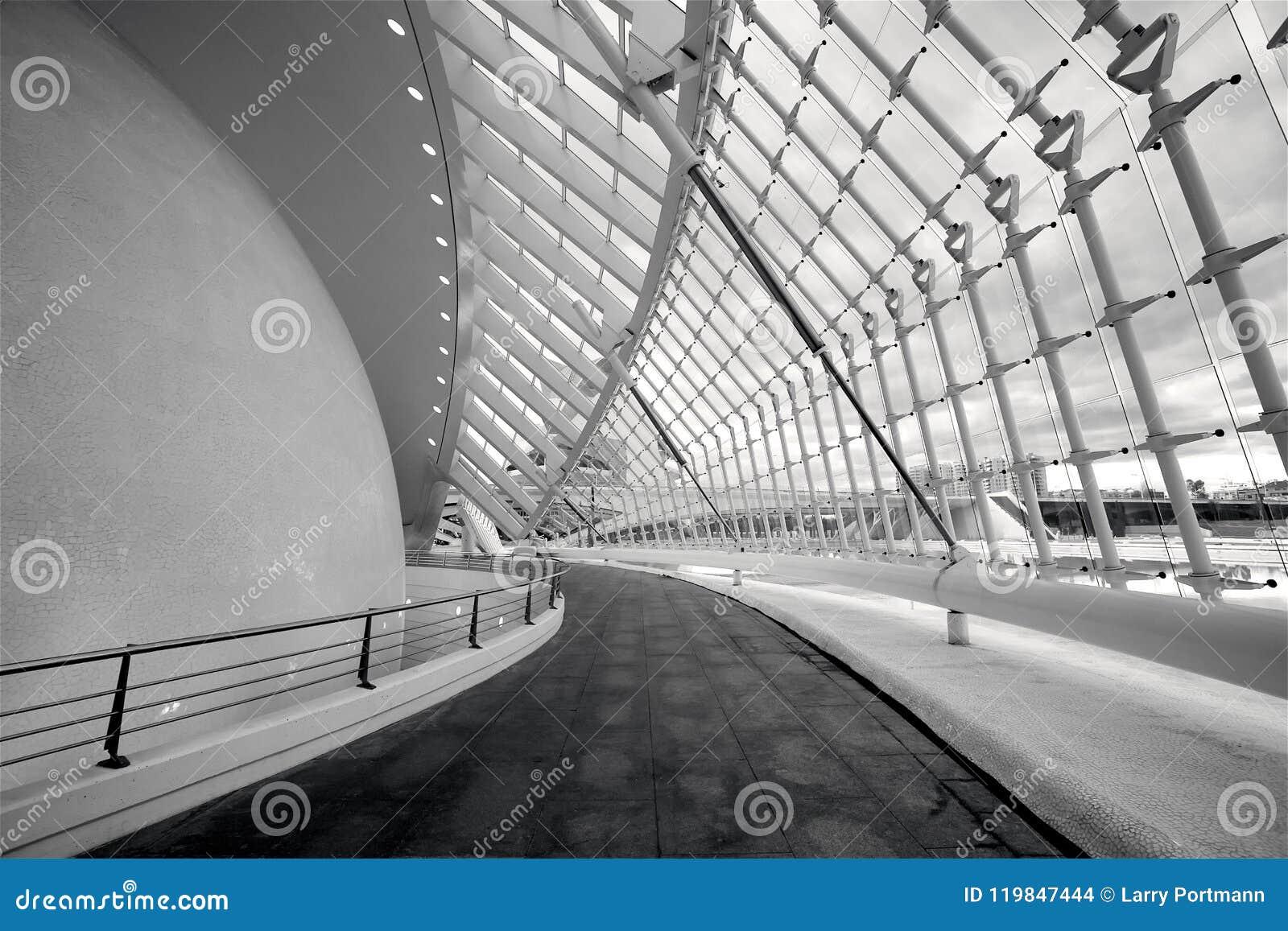Inneres L' Hemisferic in der Stadt von Künsten und von Wissenschaften