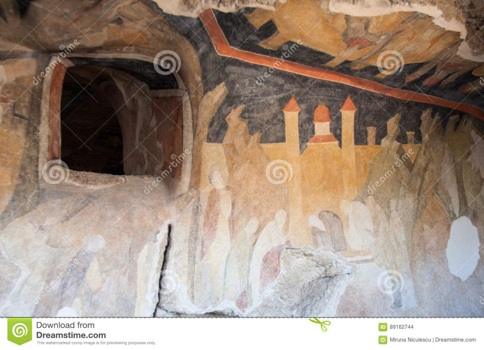 Innerhalb der Stein-gehauenen Kirchen von Iwanowo