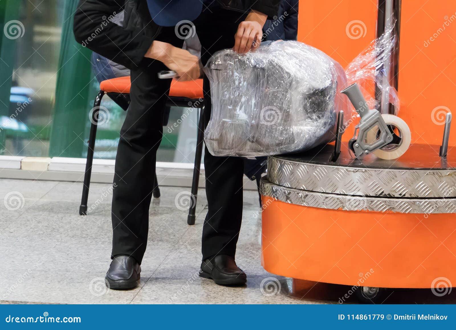 Inpackning av bagage för lopp med flygplanet