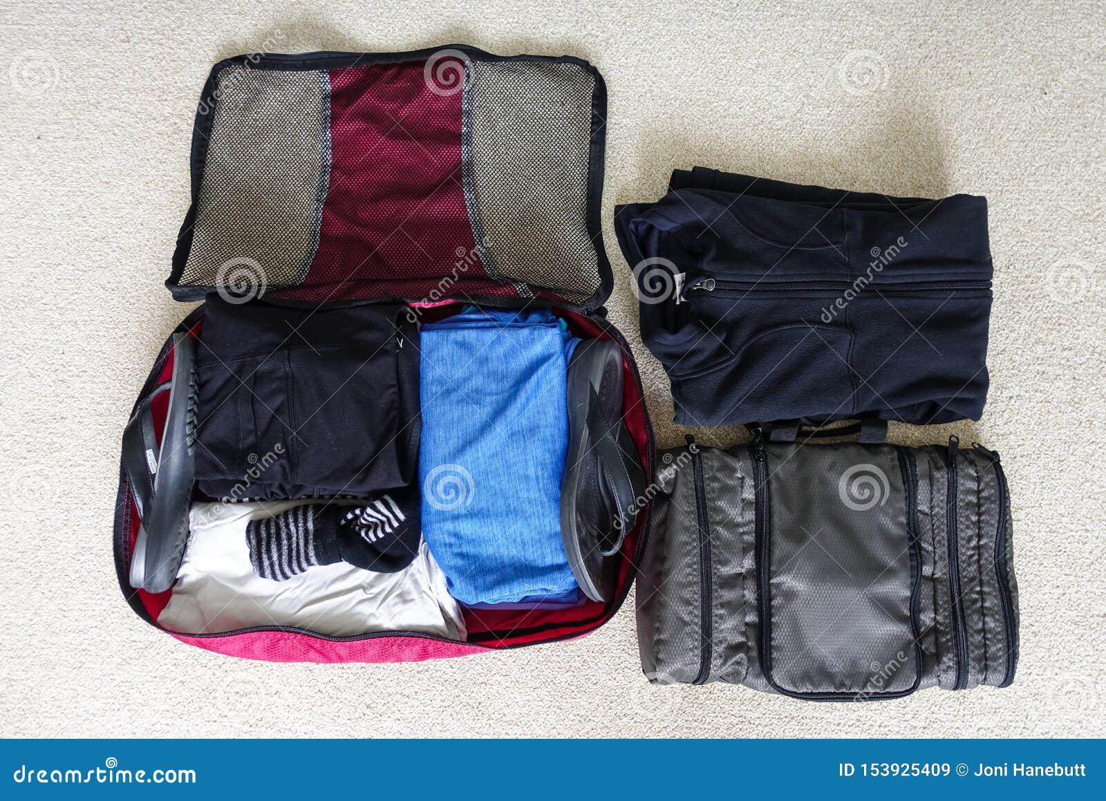 Inpackning för två - dag tur för tre natt till ett kallt väderområde