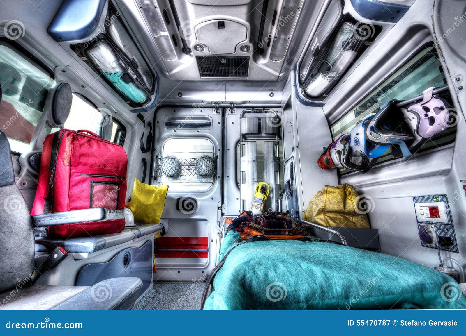 Inre av en ambulansräddningsaktion HDR