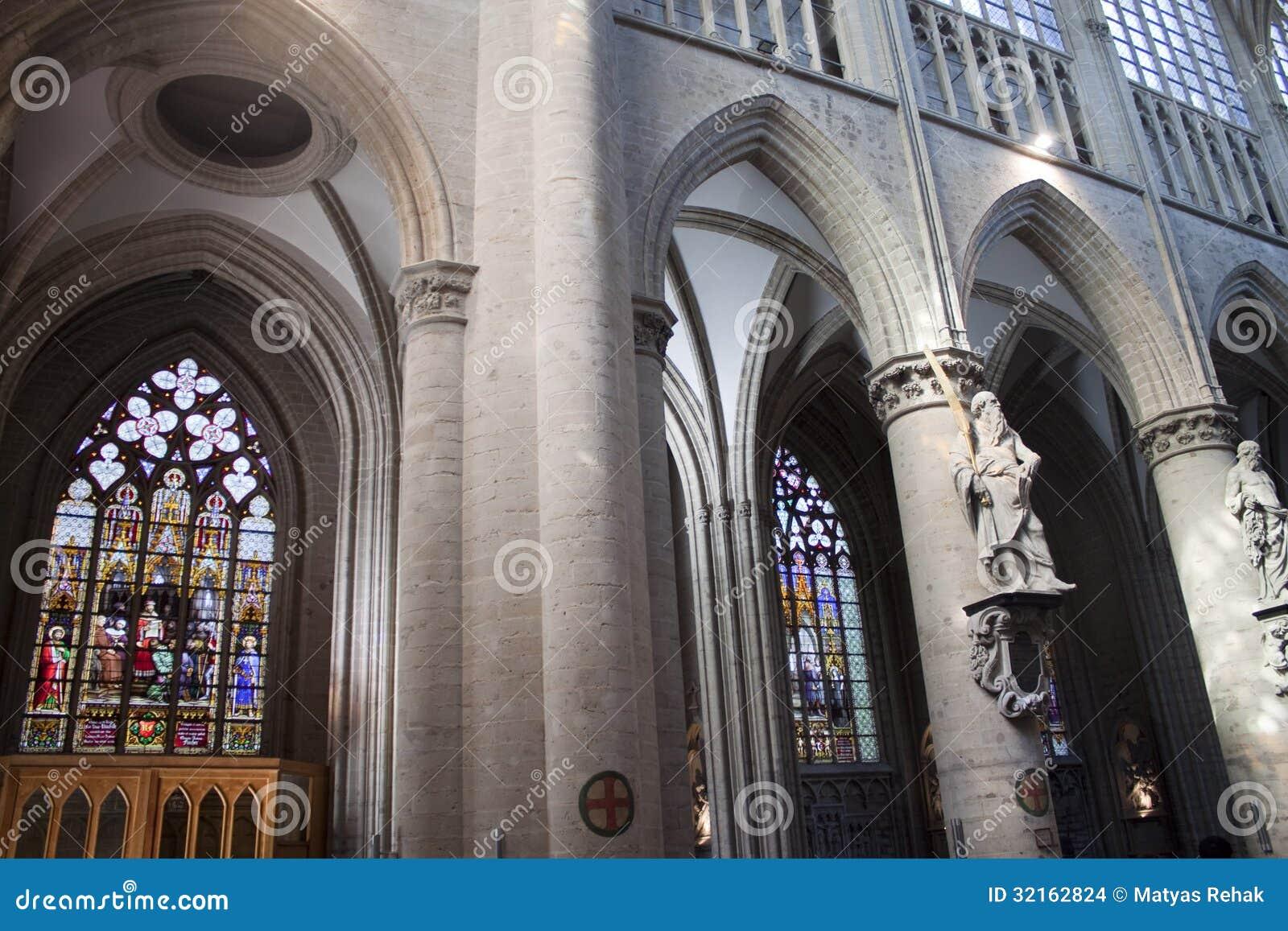 Inre av St Michael och domkyrkan för St. Gudula