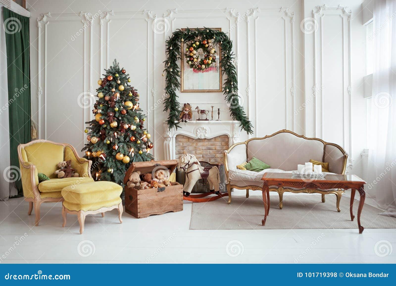 Inre härlig jul nytt år för garnering Vardagsrum med spis