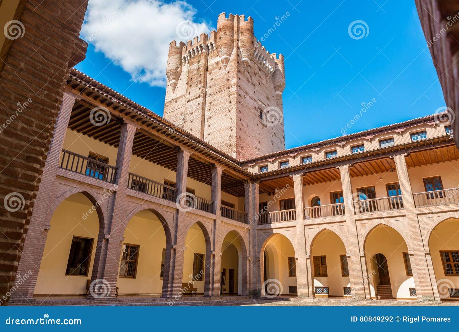 Inre sikt av den berömda slotten Castillo de la Mota i Medina del Campo, Valladolid, Spanien