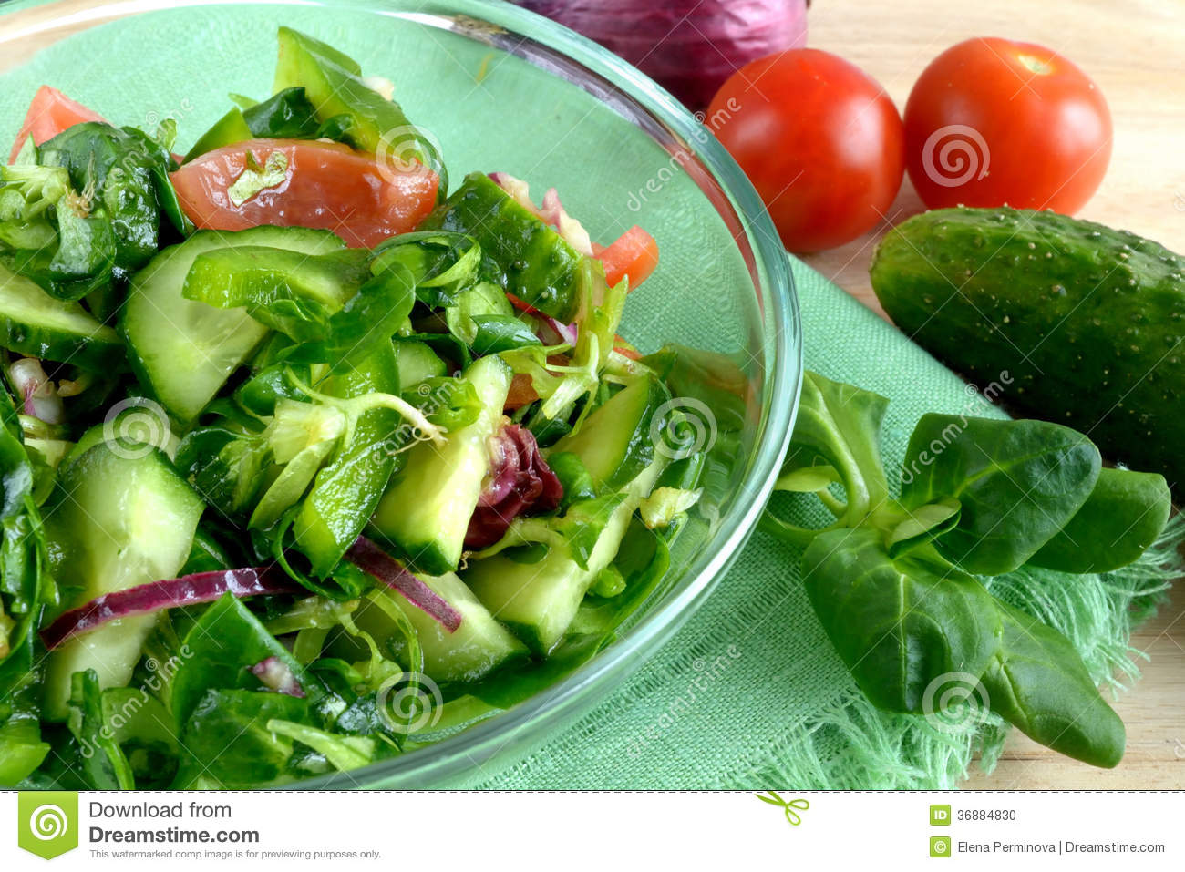 Download Insalata di verdure fotografia stock. Immagine di piatto - 36884830