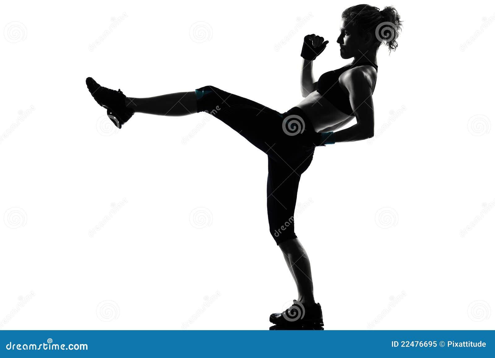 Inscatolamento kickboxing del pugile di posizione della donna