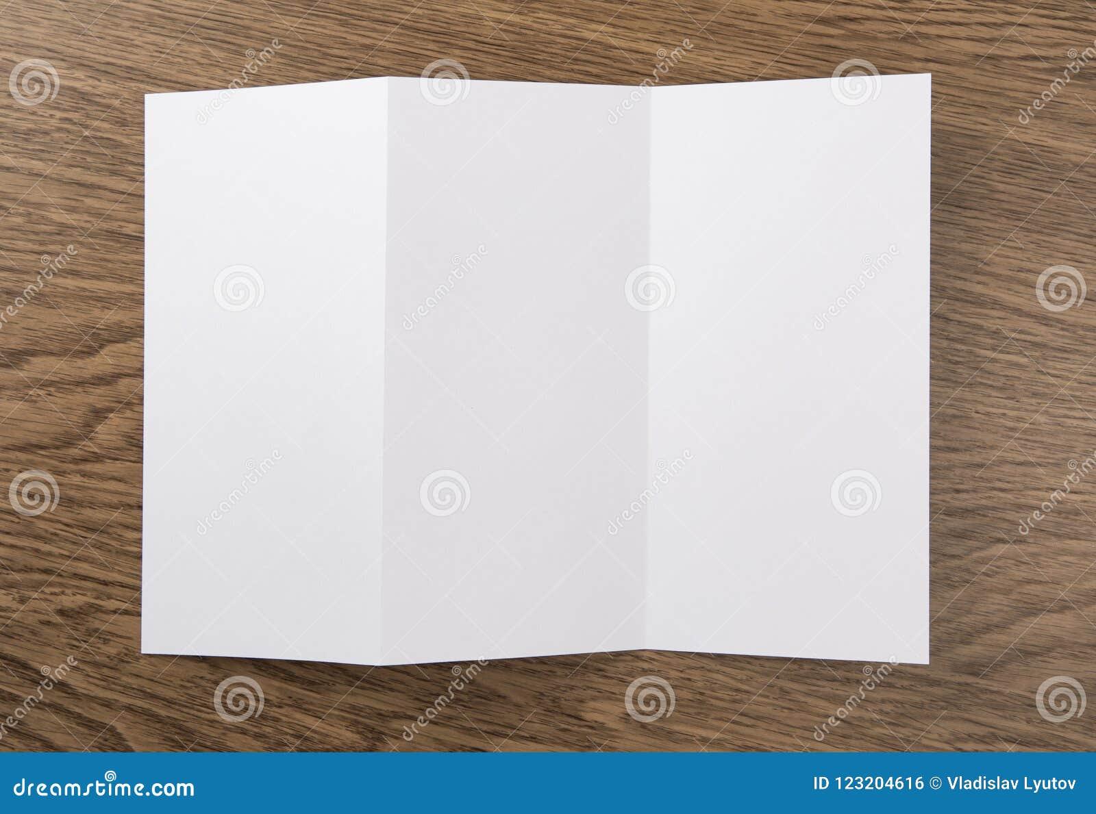 Insecte de papier se pliant blanc vide
