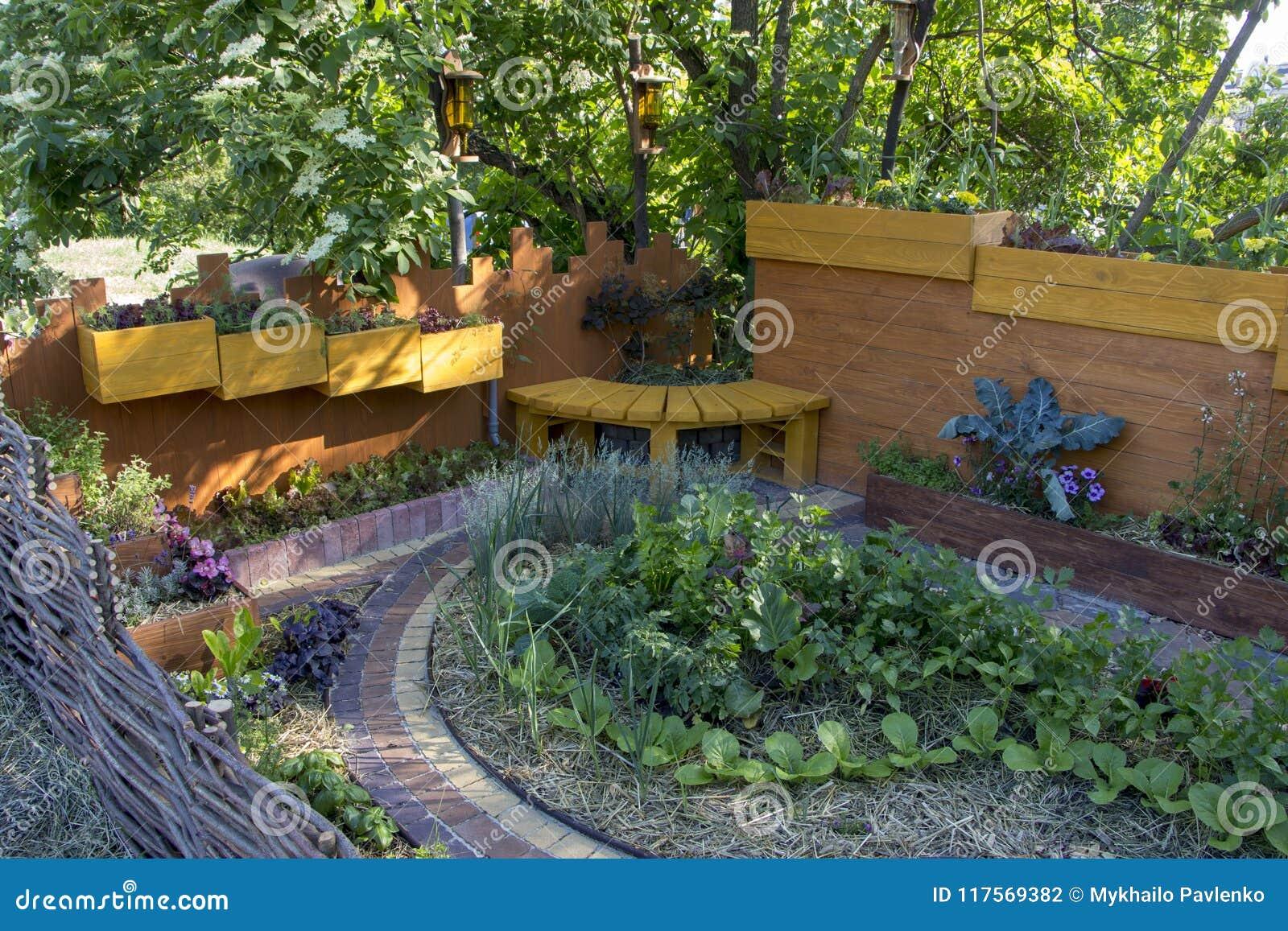 Piante Per Giardini Moderni inserisca il giardino moderno del progettista di a facendo
