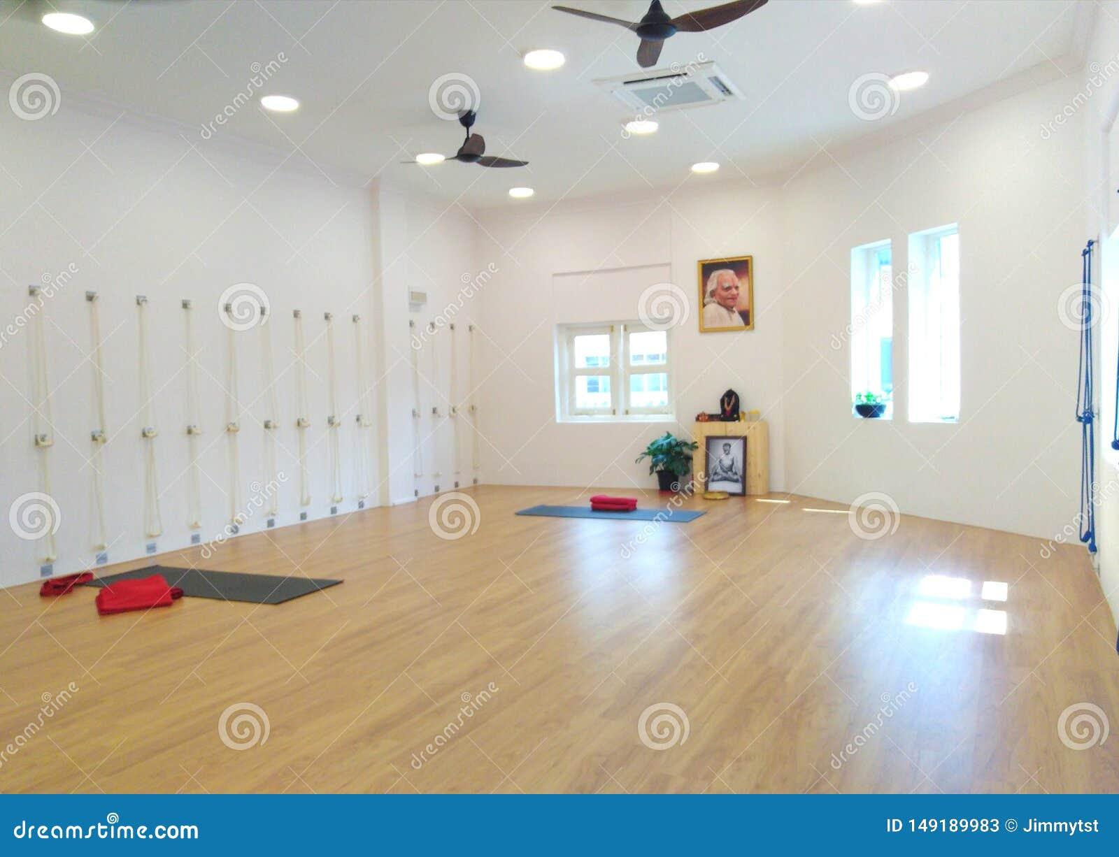 Inside A Iyengar Yoga Studio Editorial Stock Photo Image Of Iyengar Empty 149189983