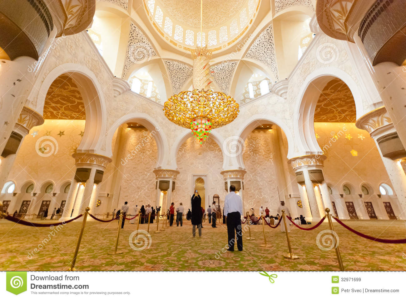 Inside The Sheikh Zayed Grand Mosque Editorial Stock Image Image Of Rich Dhabi 32971699